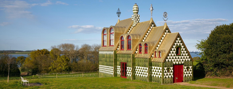 A House for Essex av arkitekterna på FAT Architecture och konstnären Grayson Perry