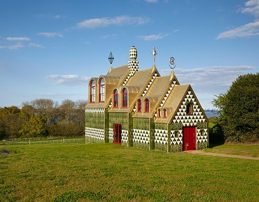 A House for Essex av arkitekterna på FAT Architecture och konstnären Grayson Perry