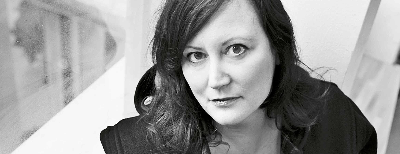 Annina Rabe är kulturjournalist och skriver bland annat för Expressen, Sydsvenskan och Tidskriften RUM samt medverkar i OBS i P1
