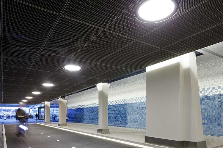 kaklad tunnel i Amsterdam.